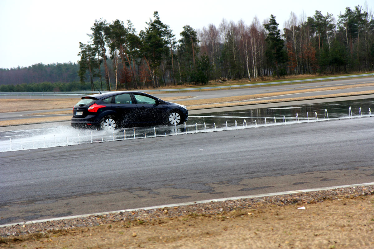 Pierwsza w Polsce mobilna Szkoła Bezpiecznej Jazdy